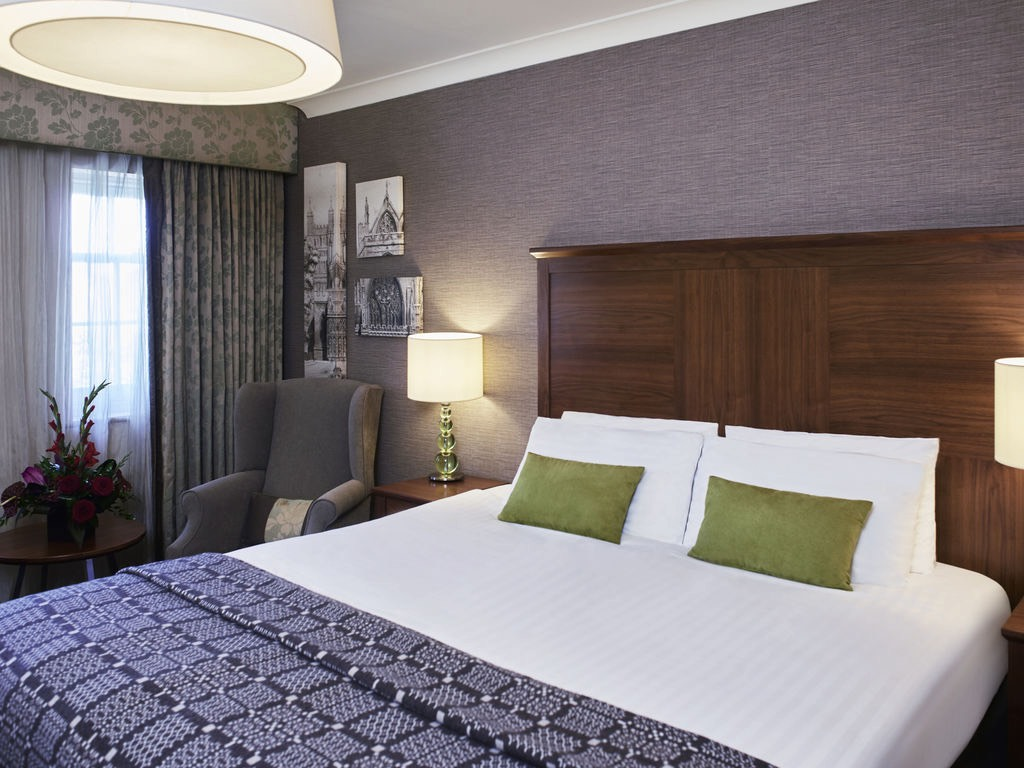 Mecure Hotel Exeter Bedroom